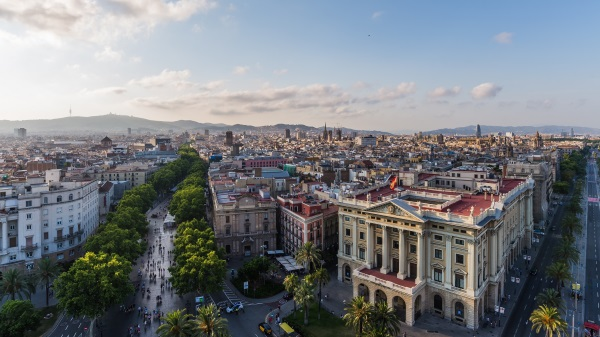 EDITORIAL-BARCELONA-SPAIN-June-30-2015-the-ramblas-from-above-shutterstock_294100559